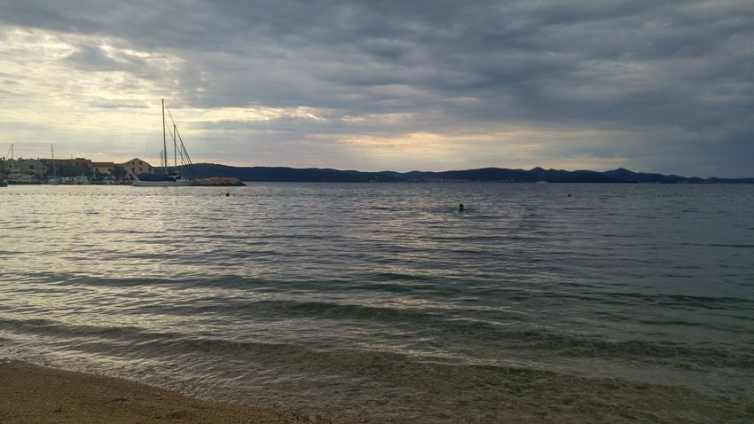 Croatia Kroatien Schiff Segelschiff Strand Beach Cloud - Sky Kleine Welle Nature Sea Ship Sky Sunset Water