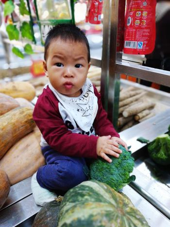 花椰菜 Babies Only Baby Childhood Sitting Outdoors Healthy Eating Food Baby Child Learning Lifestyles