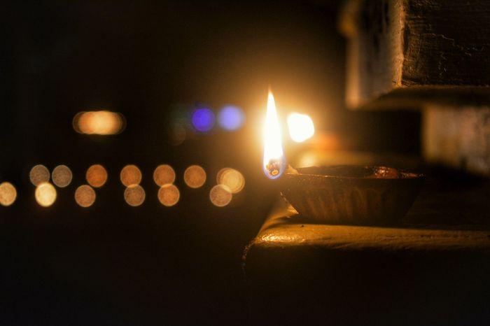 Night Illuminated Celebration Close-up Lamp Fire Fire Lamp Light Old Light Festival India Kerala Diwali Decorated With Lamps