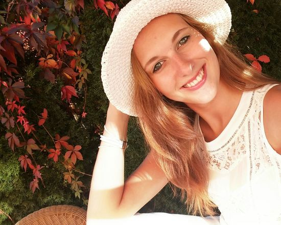 Young Adult Young Women Portrait Beauty Women Females Red People Happiness Vacations Smiling Cheerful Fall Fallen Leaves Whitedress Whitehat Gingerhair Sommersprossen September 2016 Sunshine Selfıe Happyday Spots Garden Herbst Women Around The World