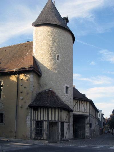 Architecture Sky And Clouds Built Exterior Built Structure Daylight Evening France 🇫🇷 No People Old Buildings Summer