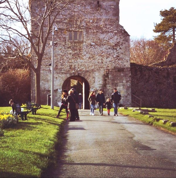 Happy Egg Sunday! 🐣 Family People Watching Walking Around Historical Building Spring Shot With Love Tadaa Community Portchestercastle