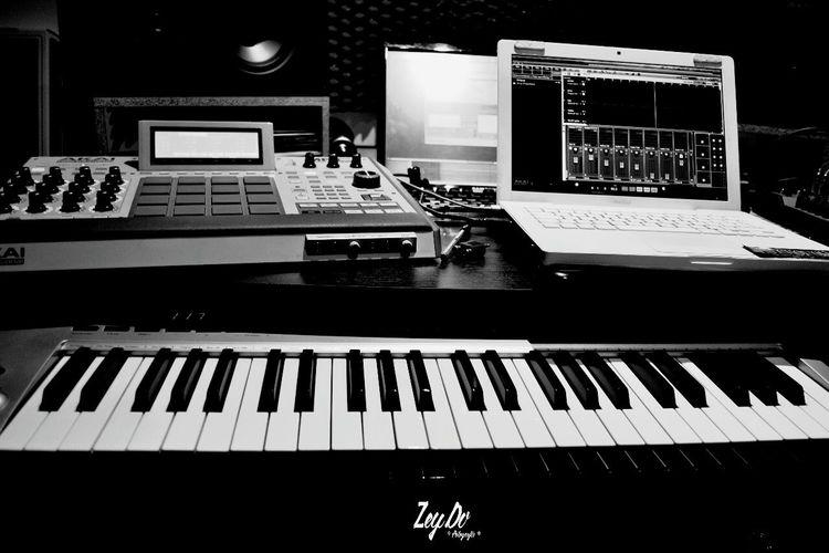 ZeyDvPhotography LoveeeMusic