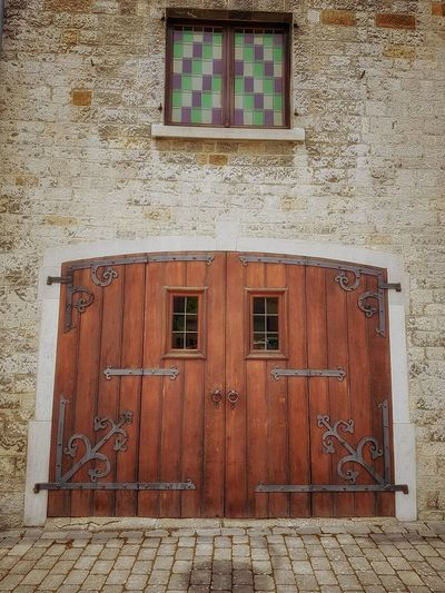 Architecture Outdoors No People Wooden Door Pavement Vintage Eyem Best Shot - Architecture Building Exterior Entrance EyeEmNewHere