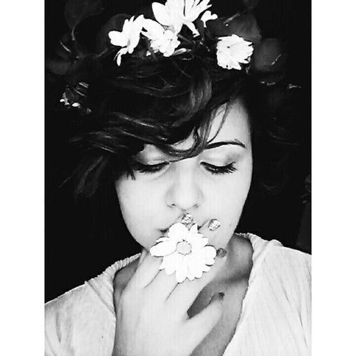 My immortal darling .. Flowers Immortal Pretty Waves fly feelgood remember life beauty sweet nice cute black white young daisy