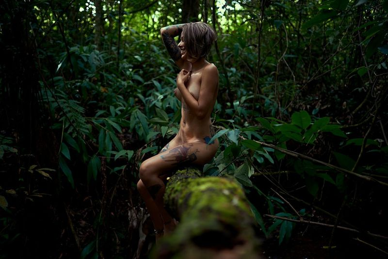 Nature Forest Beauty Beauty In Nature People Adult Portrait Of A Woman Retratos Nu Beautiful Woman Portrait Nuart Women Females Adult Girls Relaxation Sensual 💕 Sensuality Photo Sensualart Sensualgirl SexGirl Happiness