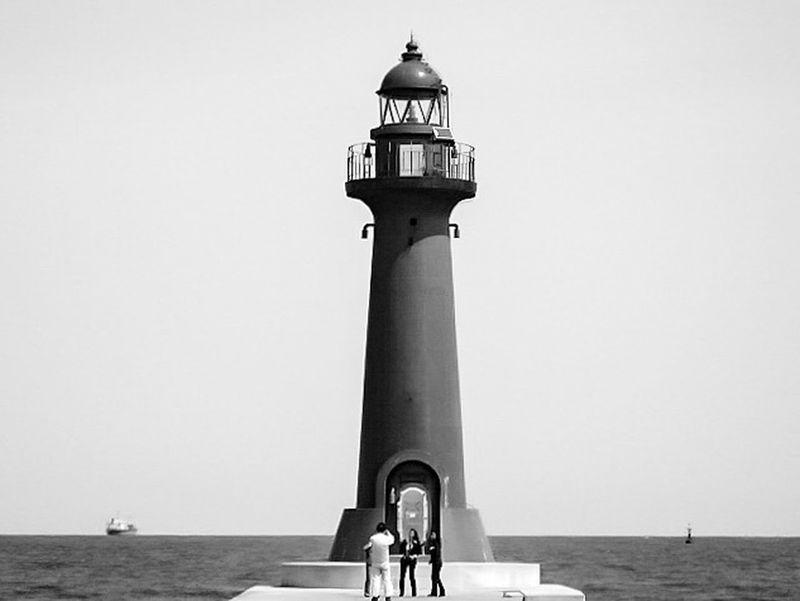 [ それは2006年でした ] A Decade Ago My First Camera Toyama,japan Toyama Shinkou Breakwater Lighthouse 2006 Collection : Japan Black And White Photography Black And White Collection  Showcase: February Lighthouse