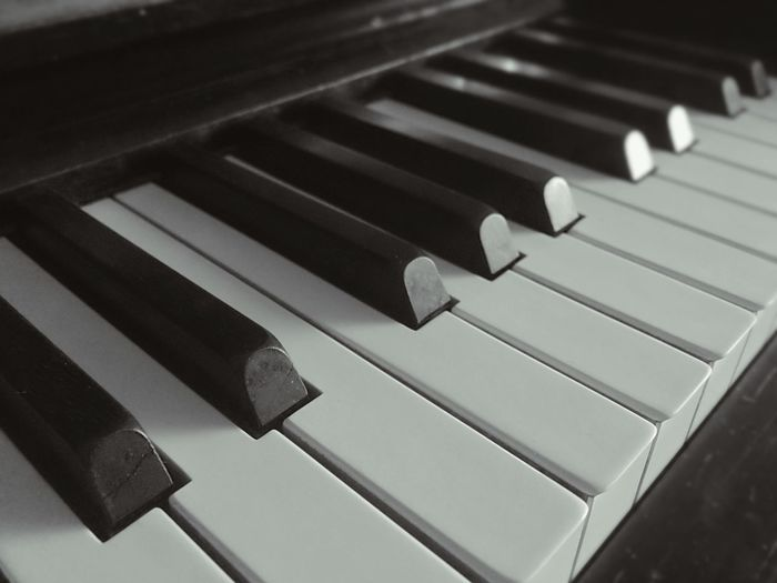 Music Close-up Musical Instrument No People Arts Culture And Entertainment Piano Indoors  Day Keys Musician Music Brings Us Together Vintage Love Charme Mobile Photography