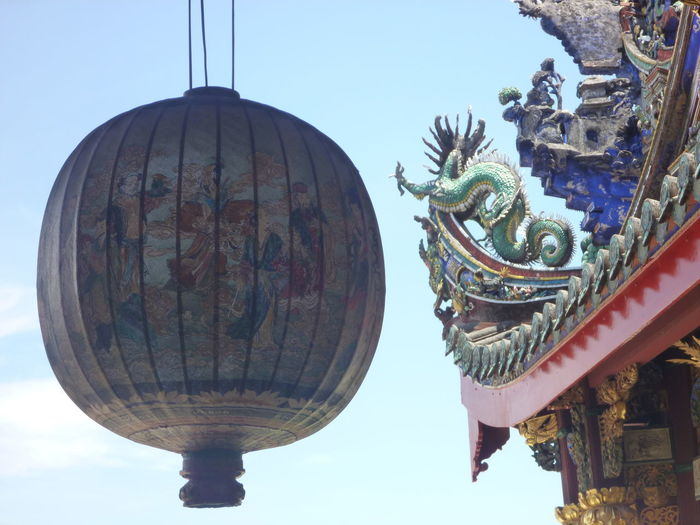 Chinese Culture Cultures Lantern Low Angle View Ornate Temple Architecture Architectural Detail Detailphotography