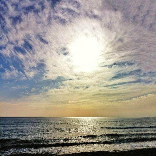 Bazen Aynı Anda Güneşe bakmaktir AŞK Love Sevgi Aşk Hello World First Eyeem Photo Ruh Soul Günaydın Goodmorning Sun