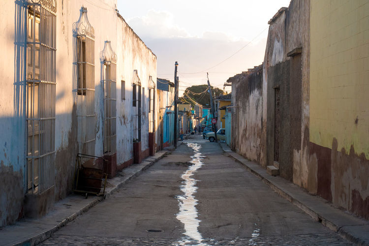 Cuba Trinidad Alley Architecture Building Exterior Built Structure Carribean City Day House No People Outdoors Residential Building Sky The Way Forward