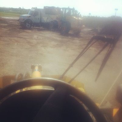 My office for today Loader Doin Work Heavy shit workflow