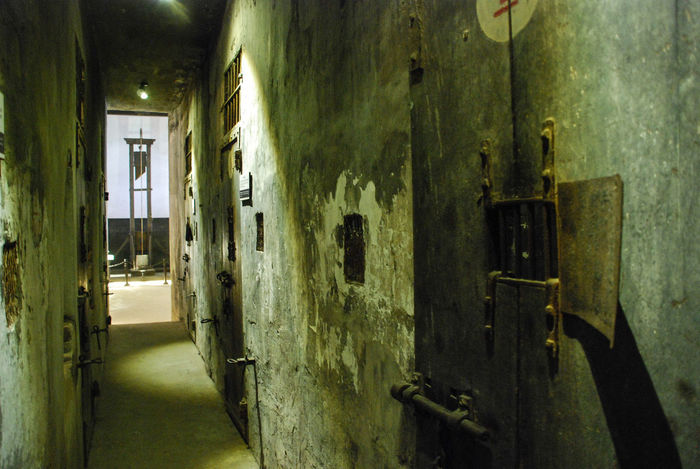 Death Row EyeEmNewHere Hà Nội Hà Nội, Việt Nam Imprisoned Rust Vietnam Abandoned Closed Colonialism Corridor Damaged French Guillotine Hanoi Hell's Hole Hoa Lo Prison Museum No Hope No People Old Paint Prison War