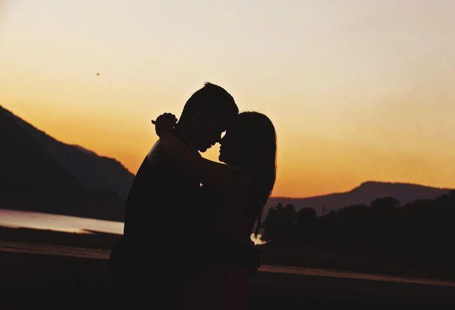 Love is in the air Love Romantic Filmy Sunset Romance Lovingsunset