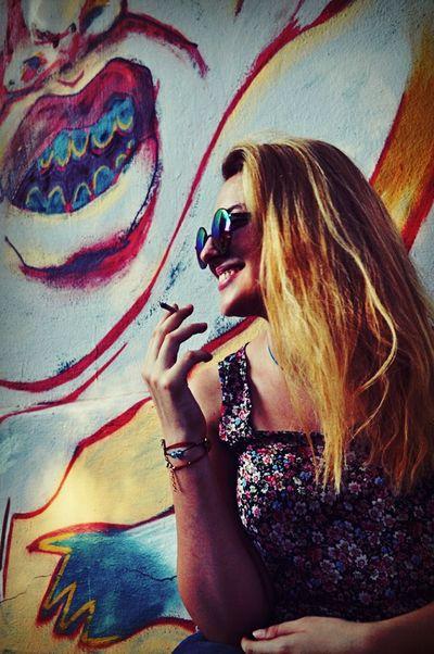 Streetart Istanbul Turkey Self Portrait Blonde Smoke Peace ✌ In Love ❤ Thedayafter Artphotography