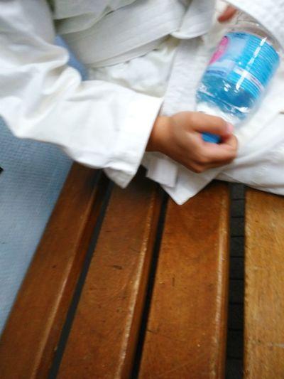 Jus d'eau? Judo Judoka Ceinture Blanche White Belt Dojo Bench Banc Bouteille Bottled Water Sport Sports Sports Photography Sport Time