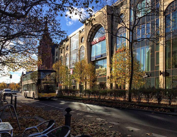 Die Schlossstraße am Sonntag ☀️ Berlin Steglitz Streetphotography IPhoneography Der Himmel über Berlin Eye4photography  EyeEm Best Shots Berliner Ansichten Autumn Colors Hello World