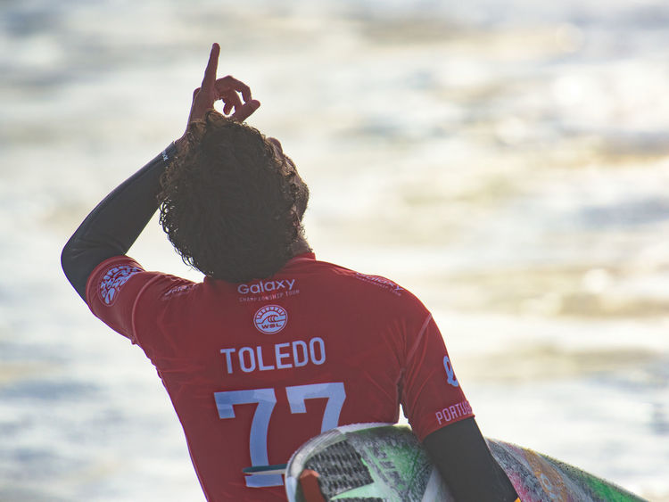 2015 Men's Samsung Galaxy Championship Tour Atlantic Ocean Champions Extreme Sports Famous Filipe Toledo Final Moche Rip Curl Pro Surfing Ocean Outdoors Prayer Real People Stunts Sunset Surfing Vibrant World Championship Surfing World Surf League Wsl Surf's Up The Portraitist - 2016 EyeEm Awards