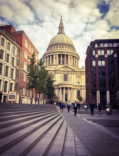 Architecture Building Exterior Built Structure Dome Travel Destinations Famous Place Religion Large Group Of People Tourism City Cathedral Spirituality Church City Life Sky Place Of Worship International Landmark Capital Cities  Cloud - Sky Travel Startofmyday St Paul's Cathedral London Lifestyle