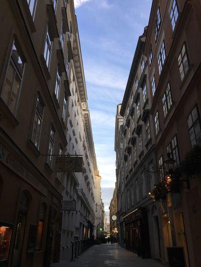 Getty Images Wien Architecture Low Angle View EyeEmAustria EyeEmbestshots EyeEm Selects EyeEm Best Shots EyeEmGalley EyeEmSelect EyeEmBestPics EyeemTeam EyeEmNewHere EyeEm Gallery The Week On EyeEm Eyeem Market Iphonephotography