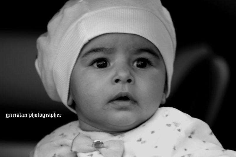 Gnristan FollowMeOnInstagram First Eyeem Photo Followme Black & White Benimkarem Vscoturkey Photo♡ Vscocam Blackandwhite Igworldclub Ig_europe Ig_worldclub Ig_turkey Babies Only Childhood Igersfrance Igersberlin Igtravel Child Child People Baby Human Body Part Headshot
