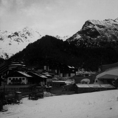 Starting the hike from the mountain village Kurzras - Maso Corto (2011 m) Blackandwhite Hipstamatic