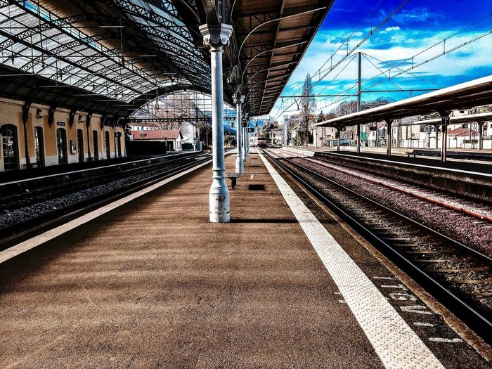Train station ... 💭 🚉 📸 Train Station Photography Enjoying Life Colorful HDR