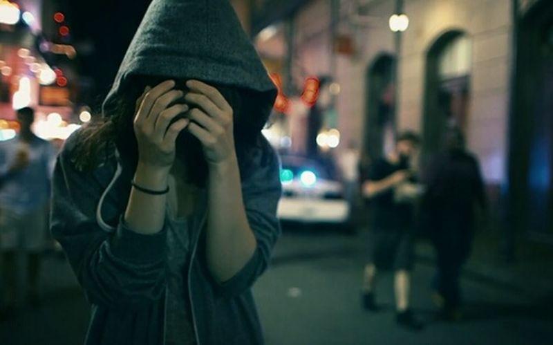 Singlegirl Alone Badday Offended Slüet