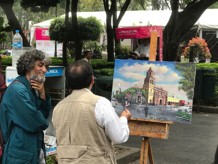 Compartiendo el talento Real People Painting Leisure Activity Outdoors Standing Travel Destinations