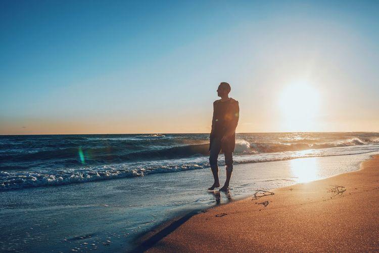 Beach Sunset Light And Shadow Sun Light Nature Calm Ocean Sad & Lonely Ocean View Men Meditation