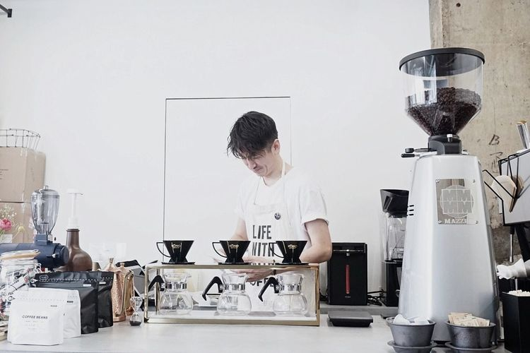 If you come to Fukuoka, you shouldn't miss his coffee:) @ no coffee;) OpenEdit Open Edit Photography Photo Portrait Cafe Fukuoka Japan