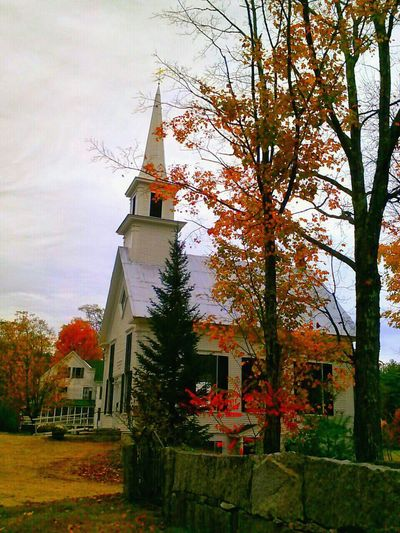Maine Autum Leaves.<3 What A View! Beautiful Nature Buildings & Sky Old Church Simple Life Colors Of Fall