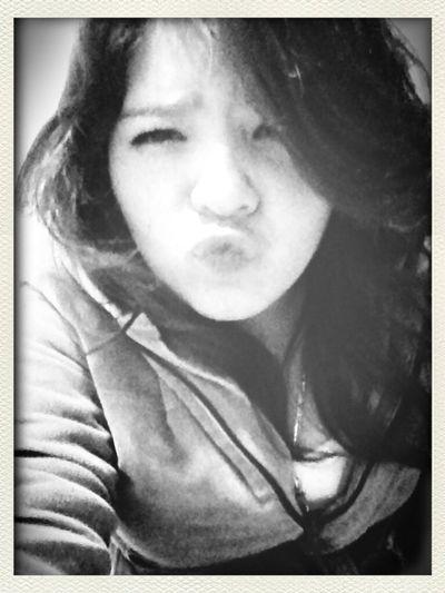 Kiss me baby :3