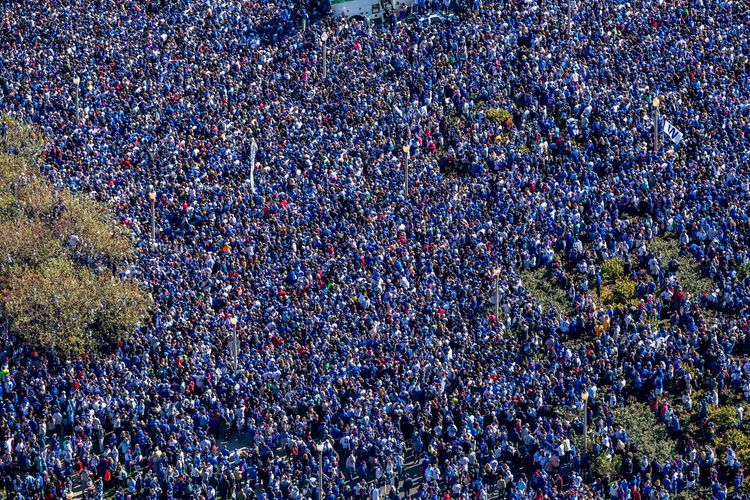 Crowd Group Of People Large Group Of People Fan - Enthusiast Real People Spectator Audience Sport Stadium Event Excitement Togetherness Day High Angle View Emotion Full Frame Outdoors Positive Emotion Lifestyles Watching Festival Music Festival Concert Arms Raised