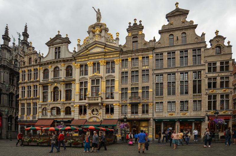 Architecture Belgium Brussels Bruxelles Building Exterior Built Structure City Grand Place Brussels Grand Place Bruxelles Large Group Of People Outdoors People Travel Travel Destinations