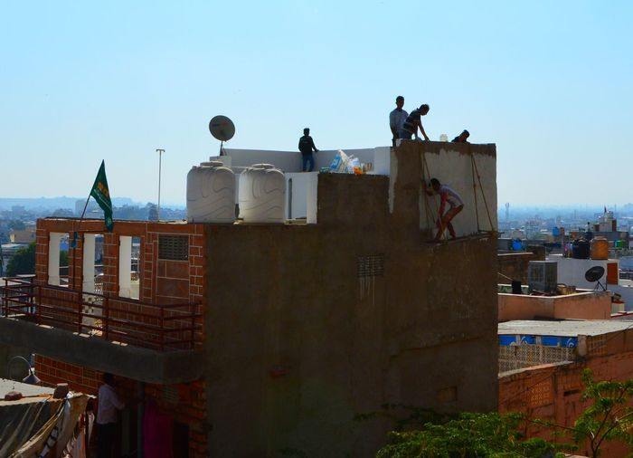 Brave Man Built Structure Hardworking Men Poor Working Conditions