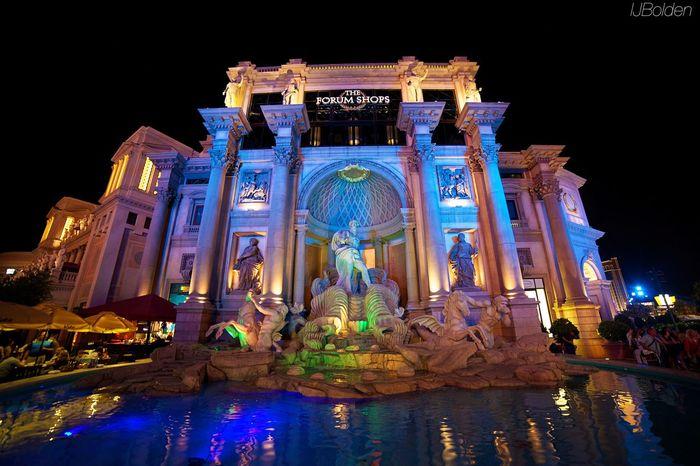 Vegas Nights Streetphotography Night Shots  Las Vegas The City That Never Sleeps My Hobby Architecture The Traveler - 2015 EyeEm Awards The Architect - 2015 EyeEm Awards Amazing Architecture
