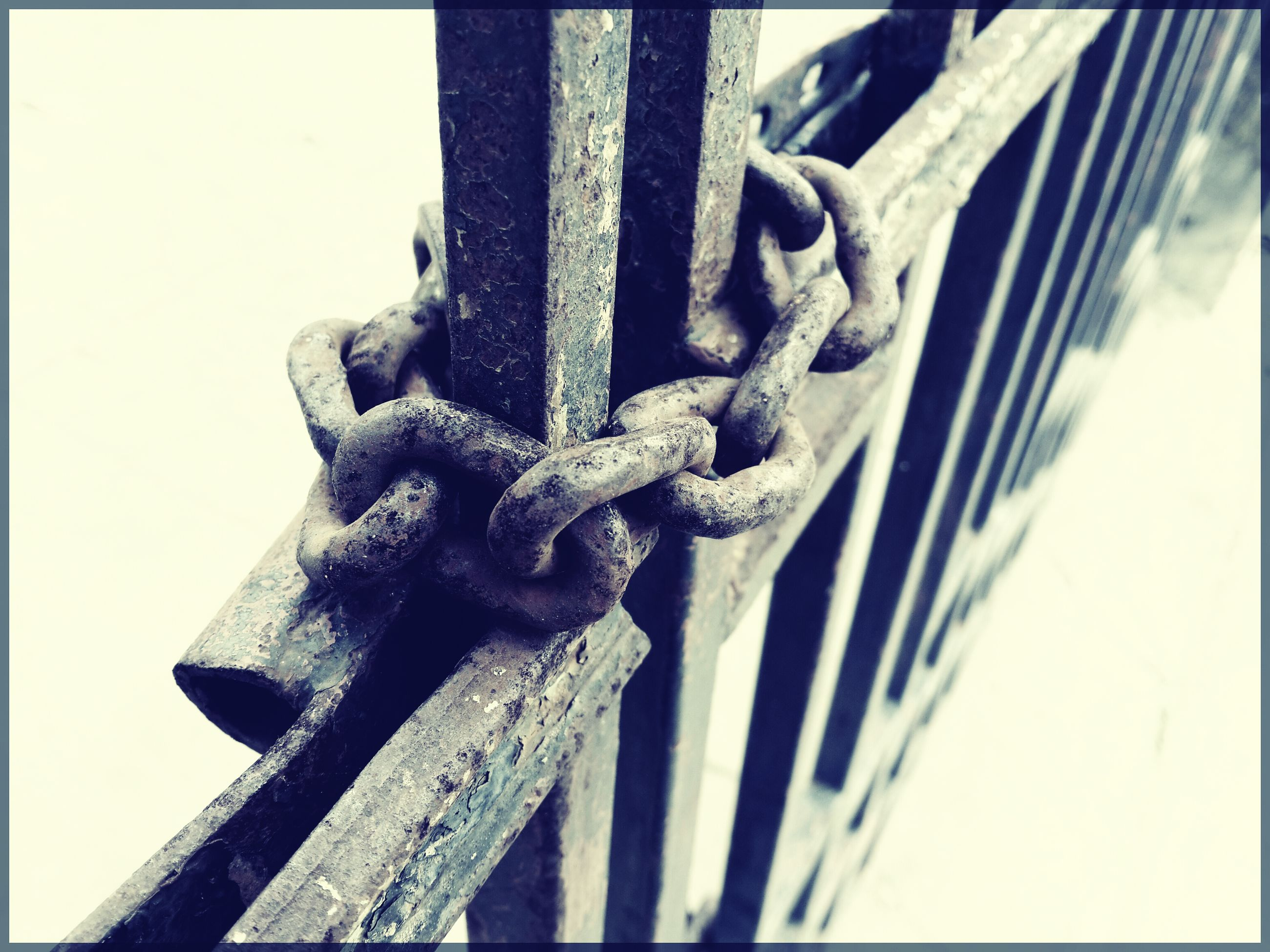 metal, close-up, metallic, old, rusty, security, strength, transfer print, chain, safety, focus on foreground, protection, auto post production filter, day, art and craft, outdoors, part of, no people, low angle view, detail