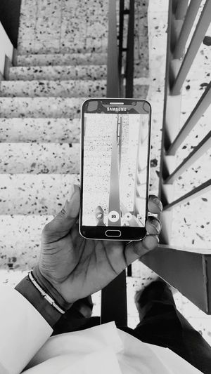Samsung Galaxy S6 Phone Mobile Handy Hand Staircase Stairs Samsungphotography Taking Photo Through Another Phone B&w Blackandwhite Black & White Black And White Beautiful Creativity BLCK&WHT CreativePhotographer Creative Creative Shots