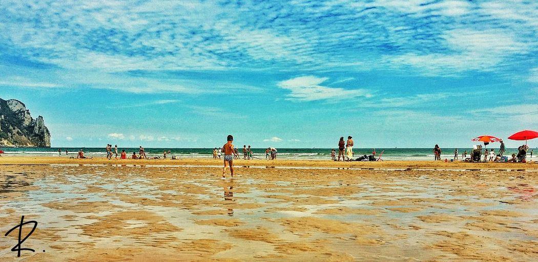 Recuerdo de una maravillosa mañana de verano? Laredo Beach