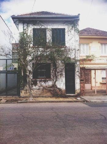 Eu particularmente sou apaixonada por esta casa. Porto Alegre Old House