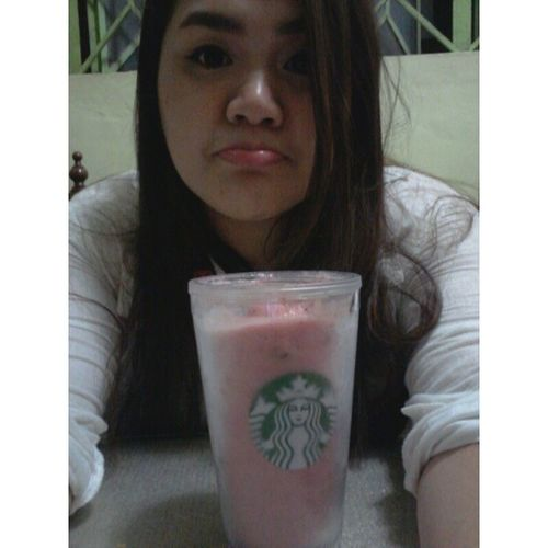 Day 39: Strawberry smoothie Sobrang init today. Grabeeeeee! Salamat sa frozen strawberries na nabili ko sa SM with @overmuchgj! 100happydays Selfie Umisalangulit Filipinosbelike