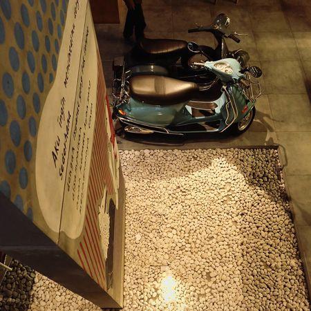 Modernart Modernbuilding Motorcycle Vespa Vespavintage Vespaspotting Vespastyle Vespagram