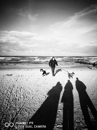 Sea Beach Sky Real People Only Men Animal Themes Adult Family Boyfriend❤ Dogs Best Weekend
