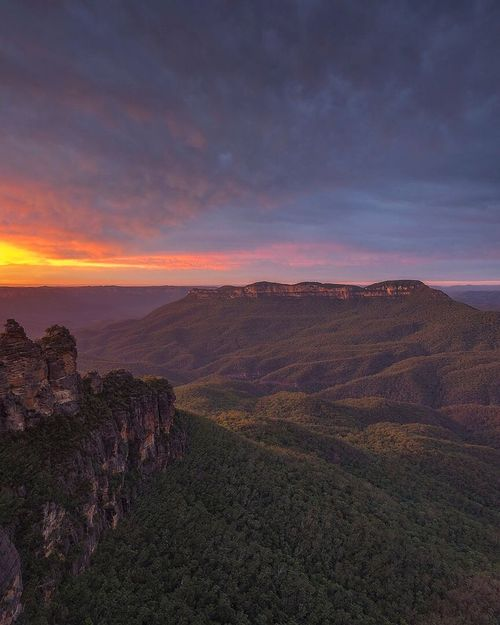 Echo Point, Katoomba Australia New South Wales  Katoomba Echo Point Beauty In Nature Nature Scenics Sunset Tranquility Tranquil Scene Landscape Sky Cloud - Sky Outdoors Mountain Range No People Mountain Day