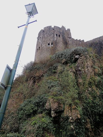 Castle Castle Door Castles Castle Ruin Pembroke Castle Pembroke Castle View  Castlewall Medieval Working Spraying Sky