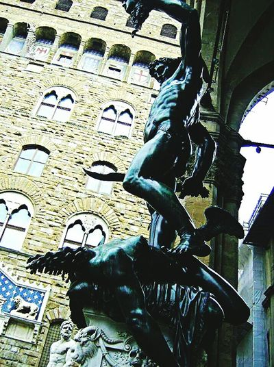 Likeforlike #likemyphoto #qlikemyphotos #like4like #likemypic #likeback #ilikeback #10likes #50likes #100likes 20likes Likere [ Artphotography Monuments Follow4follow Eyeemcityscapes Eyeemphotography Igersitalia EyeEm Best Shots Firenze Florence Firenzemadeintuscany PalazzoVecchio Florence Italy