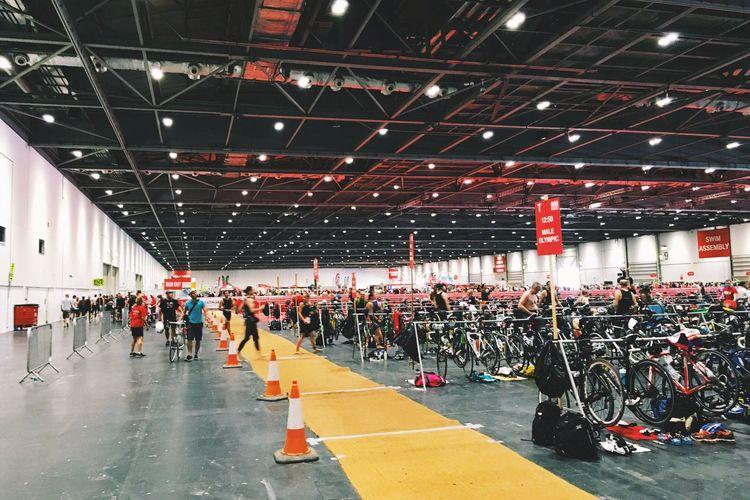 The London Triathlon Triathlete TriathlonLife Londontriathlon City Indoors  Excelcentre Crowd Sport Leisure Transition London City Day Journey