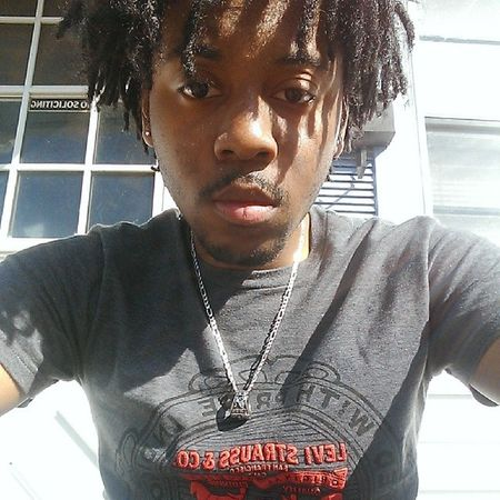 Weather changed so I'm kooln That's Me Levis Selffie