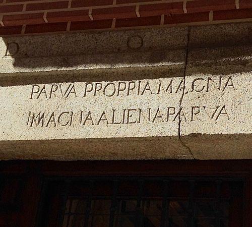 Aquí vivió y murió Lope de Vega. Perteneciente al Siglo de Oro de las letras españolas. Madrid. IPhone.
